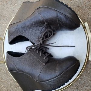 Korks by Kork-Ease lace up leather booties size 9